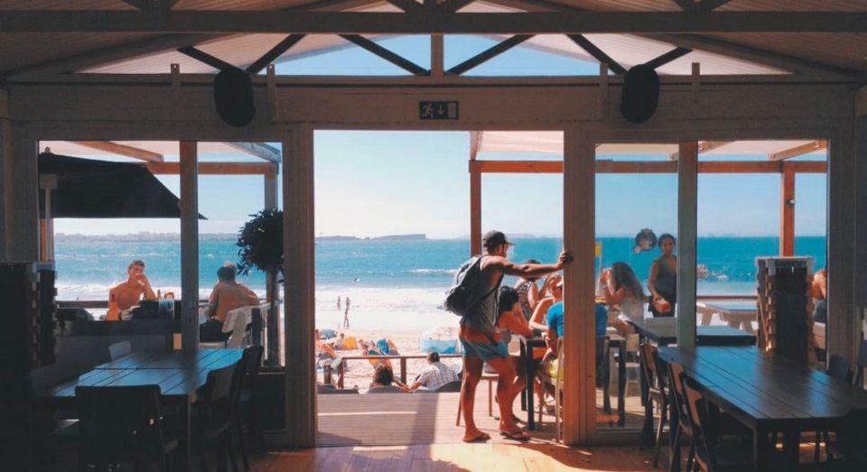frigorífico imprescindible locales playa